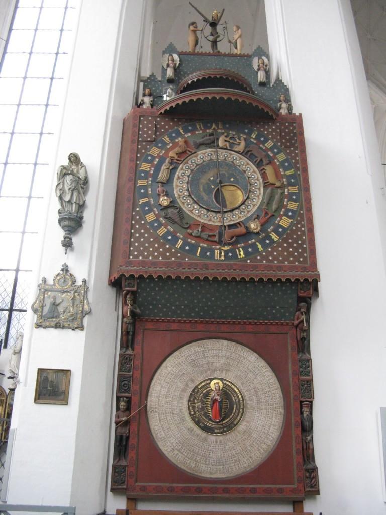 Também em alto-relevo, no interior da Catedral, em Gdansk, na Polônia.