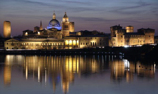 Em Mantova, mais um relógio zodiacal de tirar o fôlego!