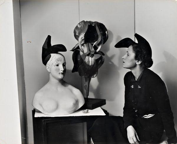 schiaparelli-shoe-hat-1937