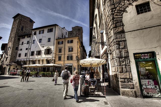 Piazza-di-San-Pier-Maggiore