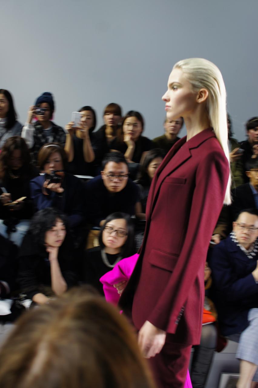 Raf Simons encontra a sua estrada na Dior.