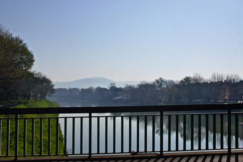 Cruzando o Rio Arno