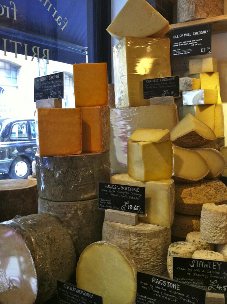 Descobrimos um lugar novo e não preciso dizer... delicioso! Somente produtos orgânicos!!!! Neal's Yard Dairy, em Covent Garden