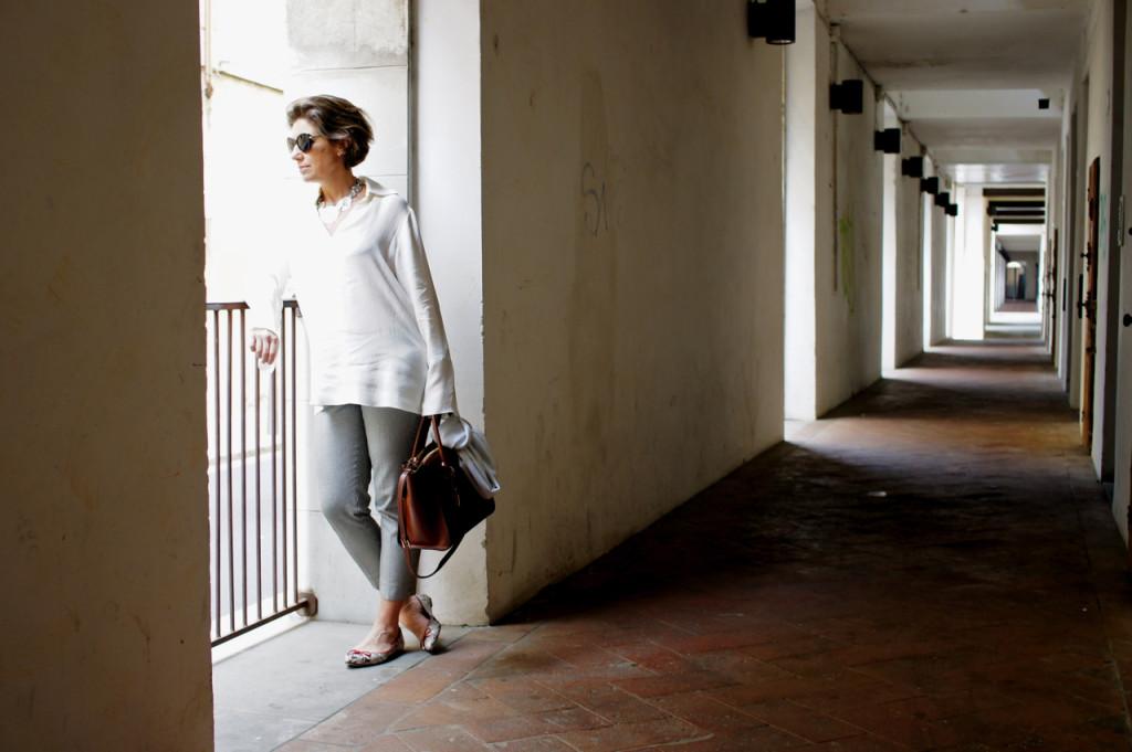 No Le Murata em Florença vistiando a Florence Design Week.  Bolsa e sapato do novo parceiro do blog, Corello!