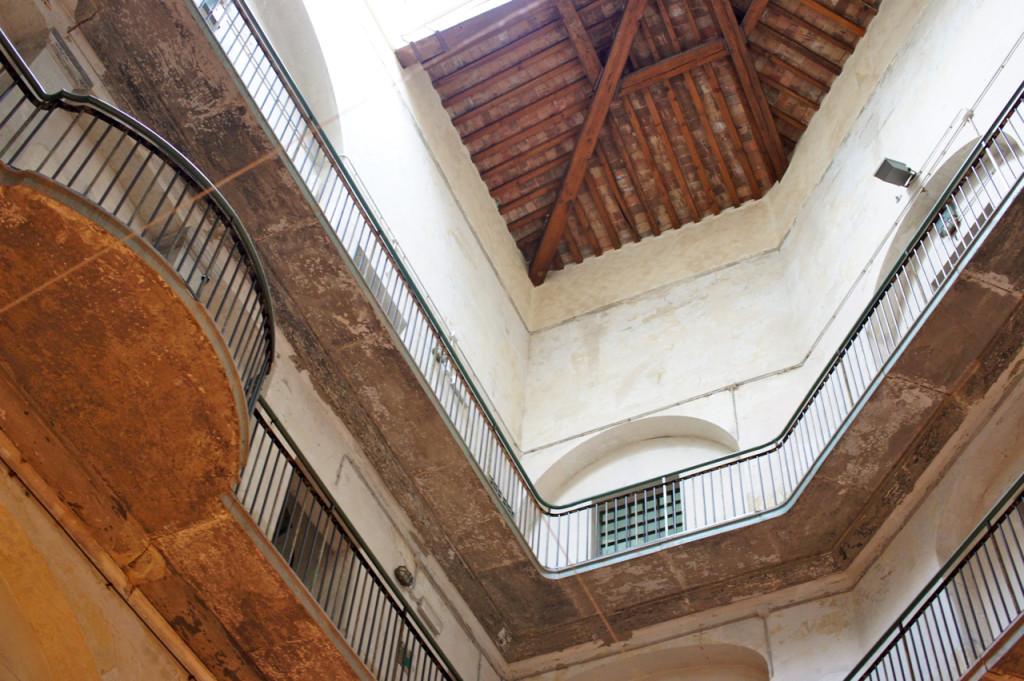 O interno onde se reconhece bem a origem deste espaço.