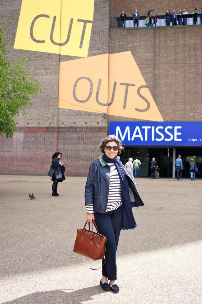 Look do segundo dia! Camiseta Uniqlo, calça Prada, sapato PrettyLoafers, bolsa Corello, casaco Miu Miu, óculos Giorgio Armani
