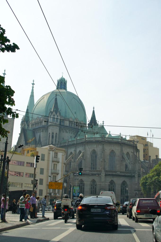 Chegando no centro na Praça da Sé