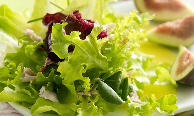 Salada verde é essencial!