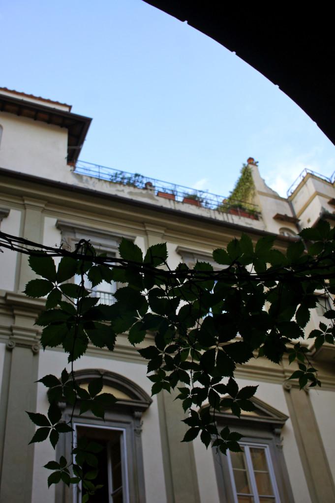 Minha mãe lembra ir visitar Emilio Pucci, que era amigo de minha avó, neste terraço!