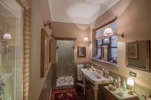 Um dos banheiros que são todos muito originais.