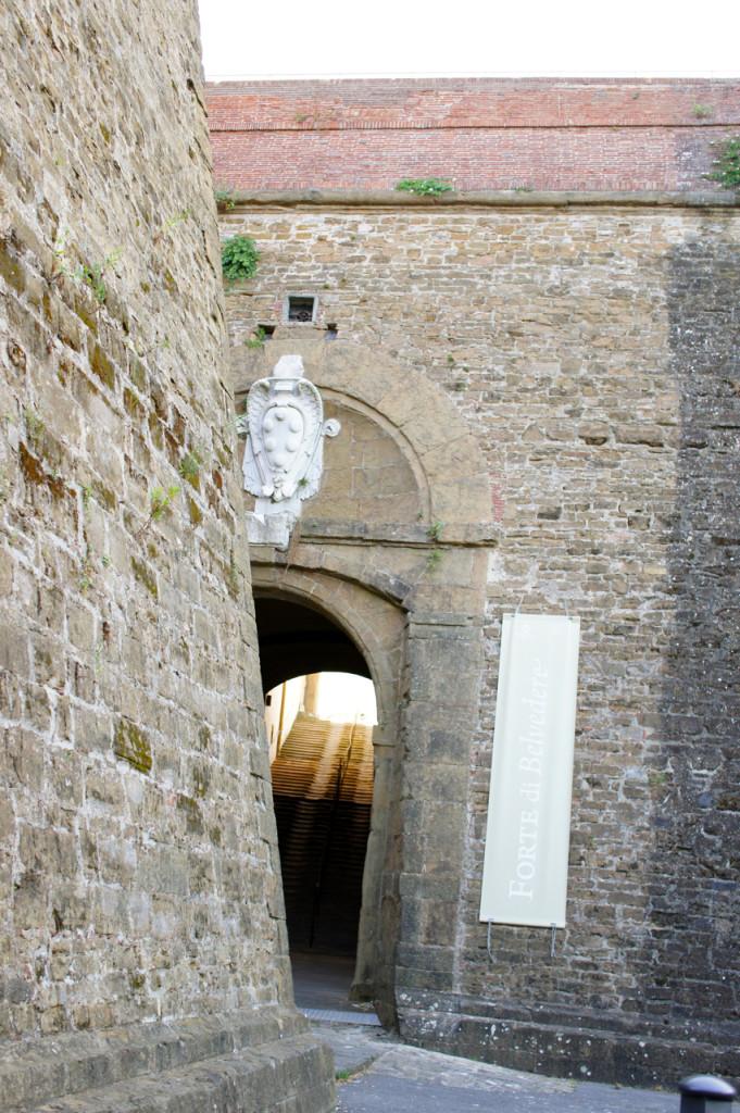 A entrada do Forte di Belvedere.
