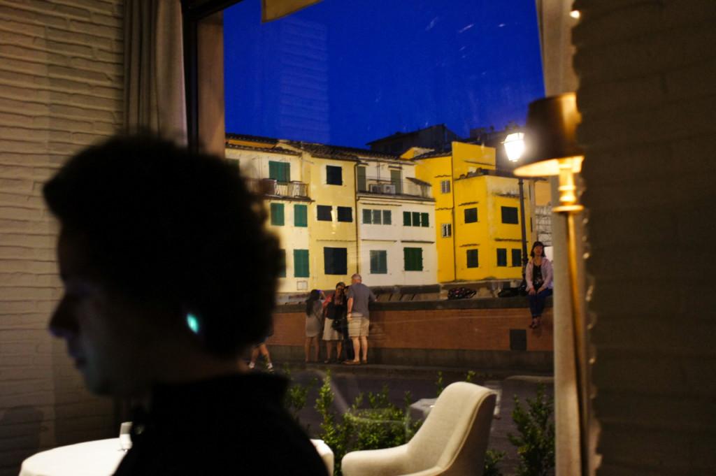 O Ponte Vecchio pelas janelas do restaurante.