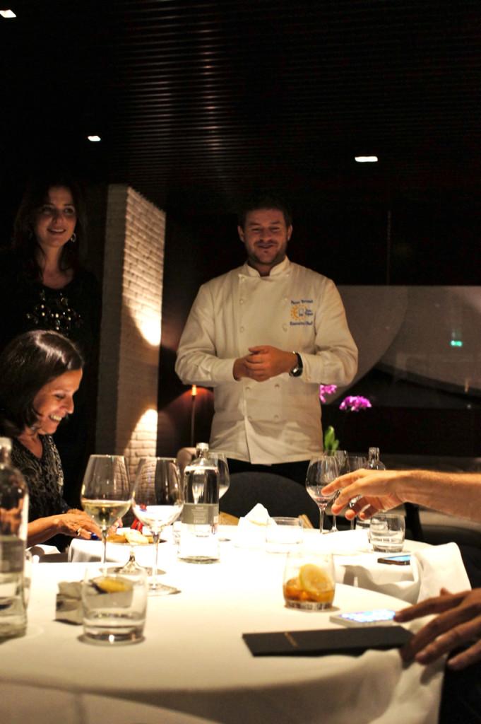O chef veio nos visitar no final do jantar com a responsável pela comunicação do grupo, Cristina Fogliatto.