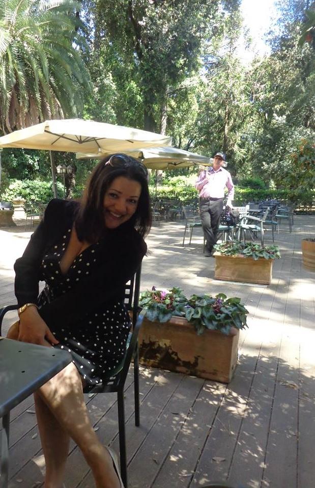 A professora, Luciene Felix Lamy, após o término do Curso, nos jardins da Villa Borghese