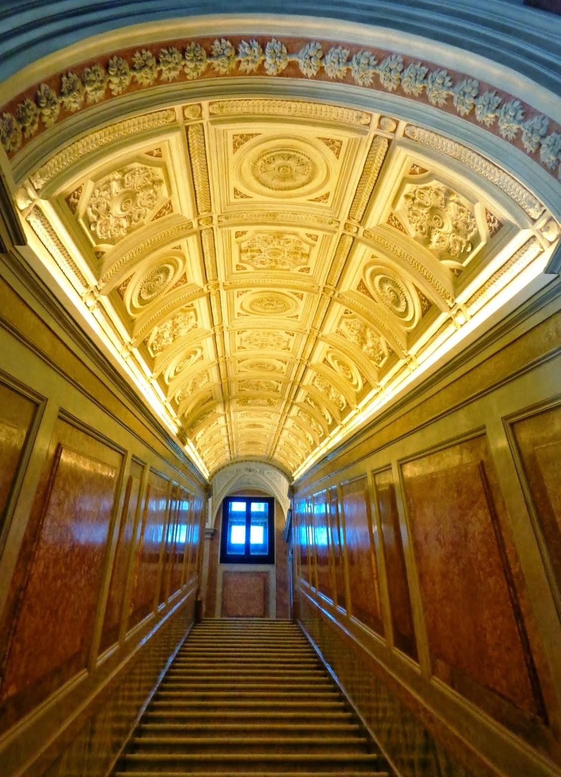 """A """"Scala d'onore"""" conduz ao pavimento superior, ao piano nobile. A sua concepção revela um grande senso de imponência."""