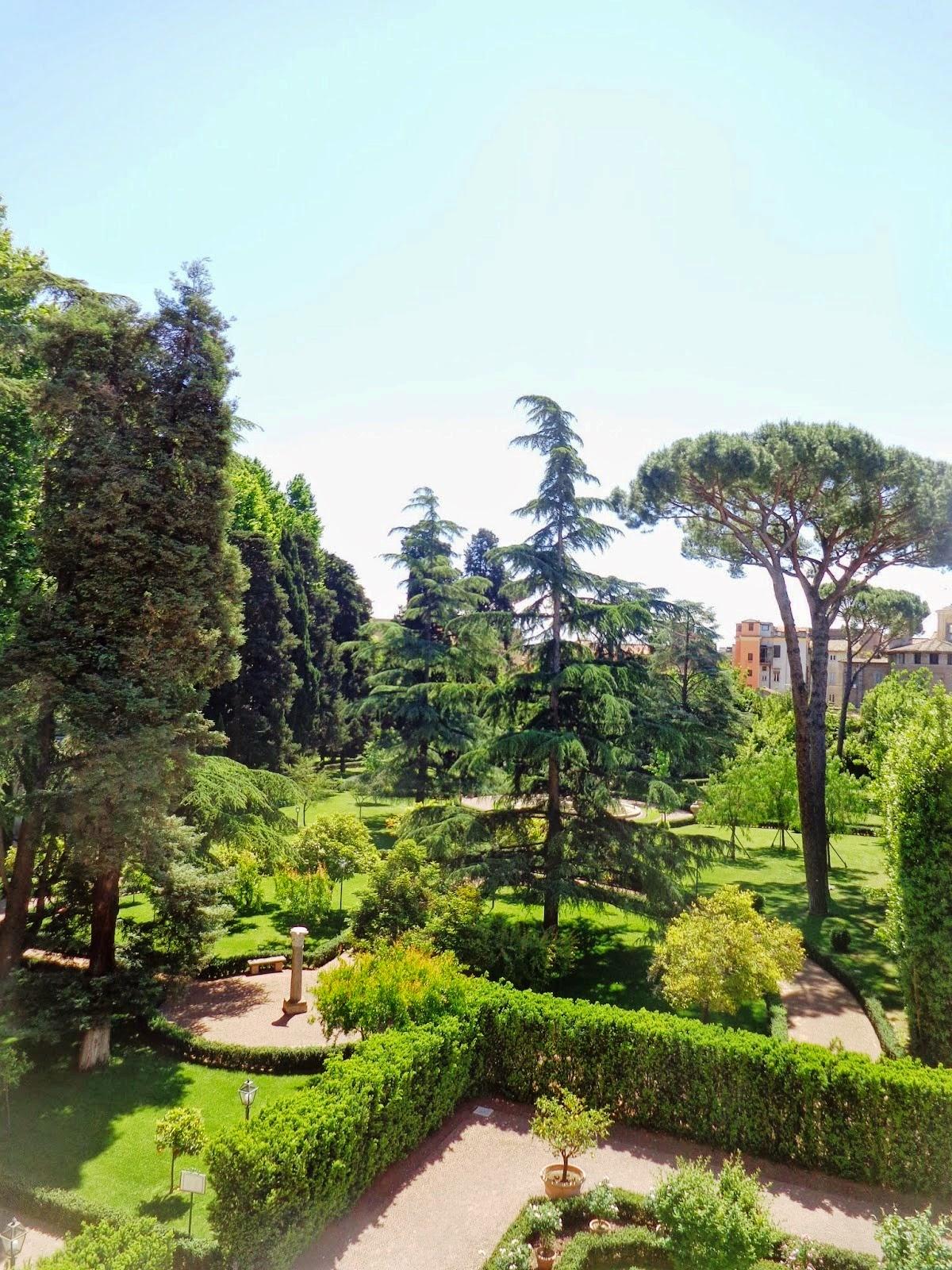 Jardins da Villa Farnesina, que eram usados como palco de festas e encenações teatrais.
