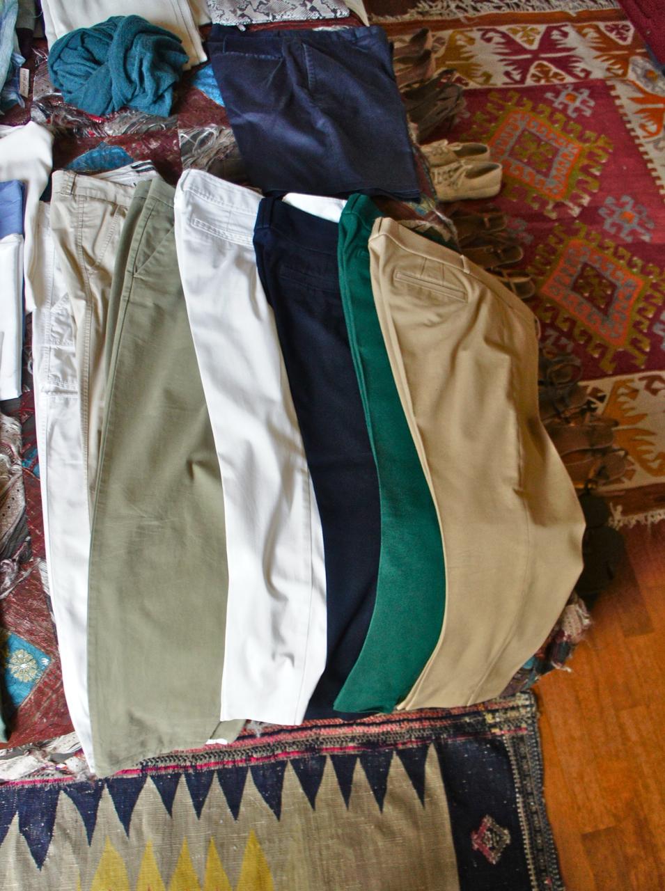 As calças largas de algodão levinho para usar ao invés de bermudas!  E algumas calças de cidade que uso sempre.