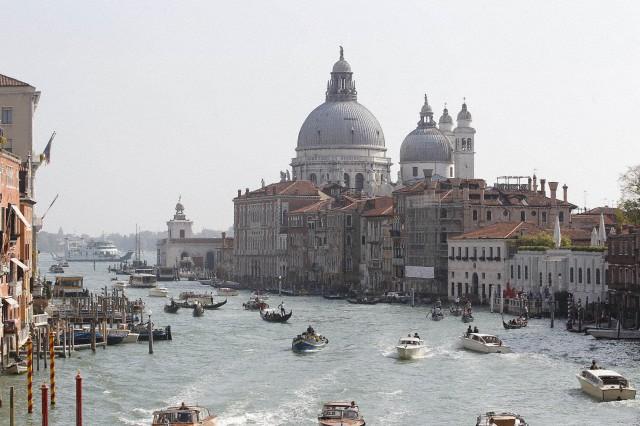 Veneza foi a escolha do casal para a união.