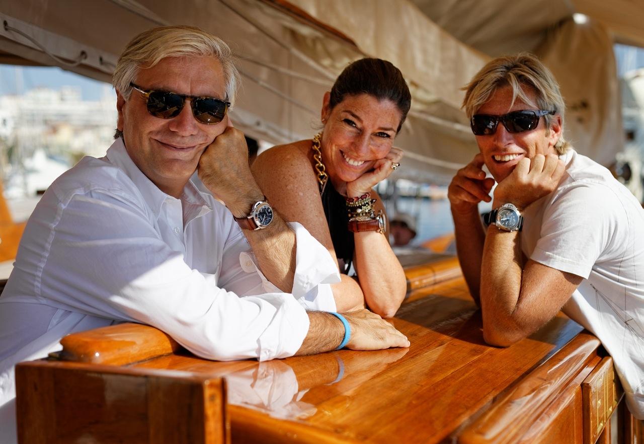 Com o novo amigo, Olivier, e Andy, o capitão da Eilean, esbanjando os nossos relógios Panerai