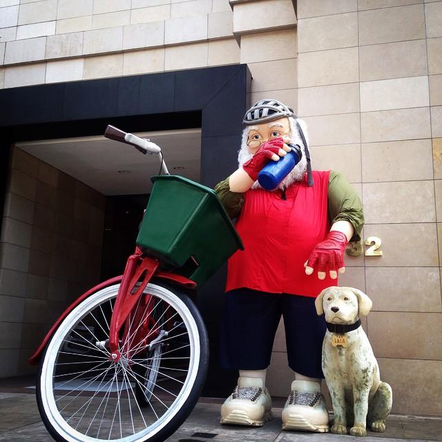 Meu companheiro de bike, Hip-Papai Noel!!  No Iguatemi!
