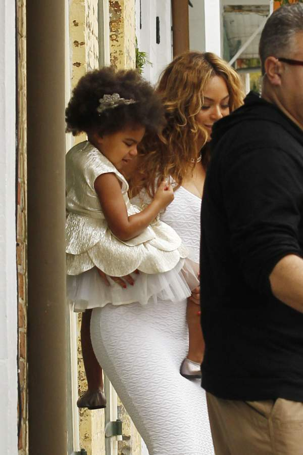 Beyonce-and-Blue-Ivy-Solange-Knowles-wedding-New-Orleans-November-2014