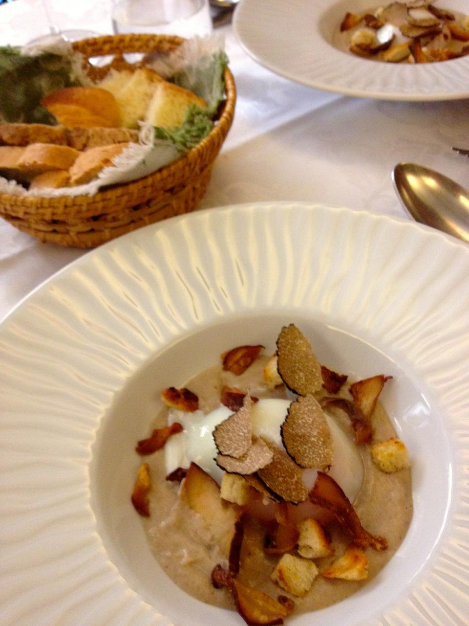 Me esbaldei todos esses dias de tanto comer pratos com trufas nessa temporada em Florença !