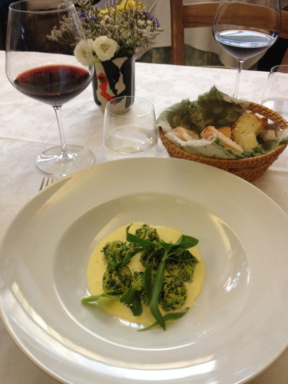 Le Logge: Via del Porrione, 33 em Siena. Fecha aos domingos!