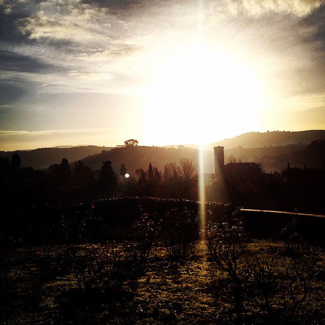 A vista de casa ao nascer do sol no inverno...