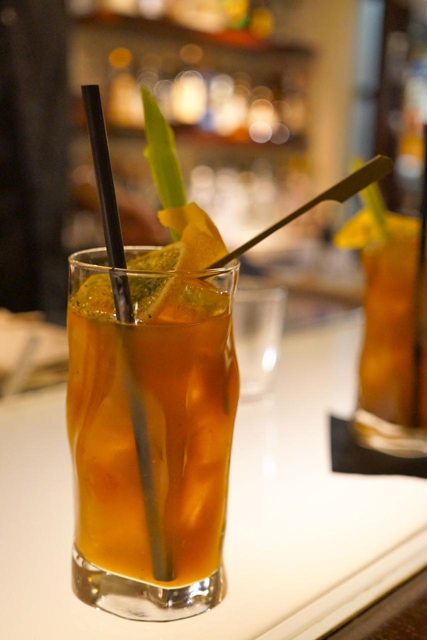 Uma variação do Bloody Mary com suco de tomate amarelo. É mais delicado...
