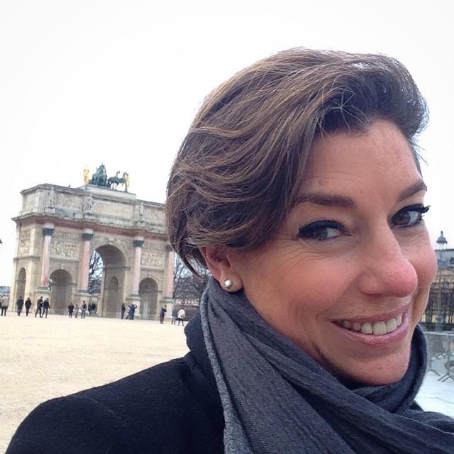 No domingo fui passear por Paris. Estava frio mas não chovia... Fui do Jardin des Tuileries ao Louvre