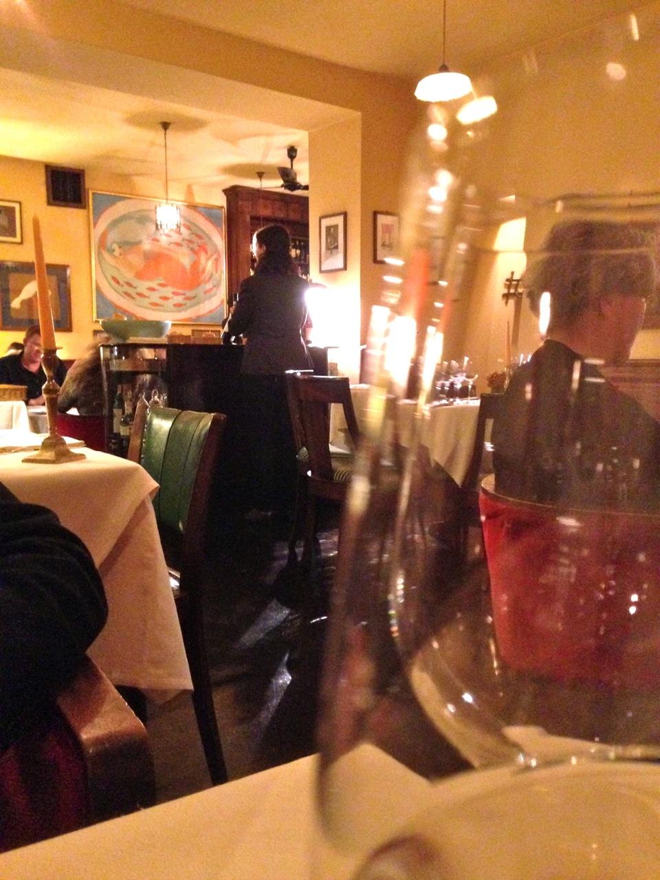 """O Cibreo é um dos únicos restaurantes mais elegantes de Florença.  Tem um ambiente íntimo.  A comida é deliciosa!!  Não tem menu.  A maitre senta ao teu lado e """"recita"""" o que tem de estação aquele dia.  Ganhei em um Bingo do Teatro de Sale este jantar para dois.  Tinham vários prêmios, mas eu queria ESTE!  E pulei da cadeira e BERREI quando venci!! Hhahahahha!!!  Eles ofereceram até o vinho!!"""