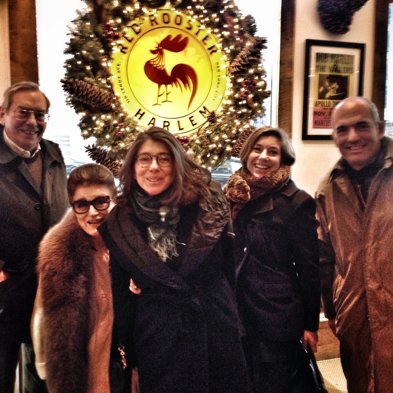 Família feliz de barriga cheia!!