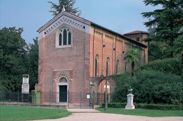 O maior e principal trabalho de Giotto foi a pintura da Capela Scrovegni, também chamada de Arena Chapel por ter sido erguida sobre uma antiga arena romana.