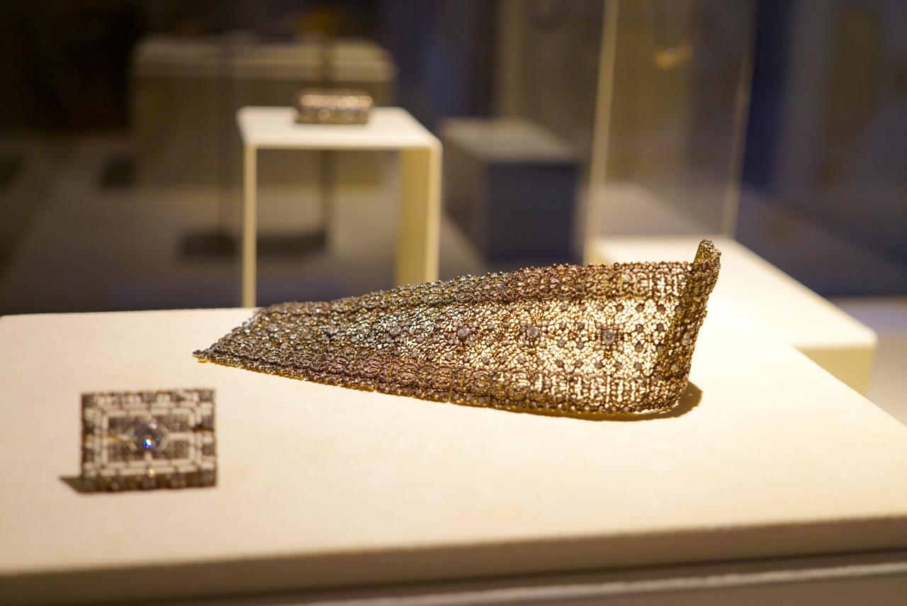 Acho lindo é incrível o trabalho de articulação invisível das peças!