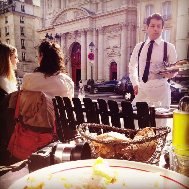 Parei um minutinho para almoçar no sol...