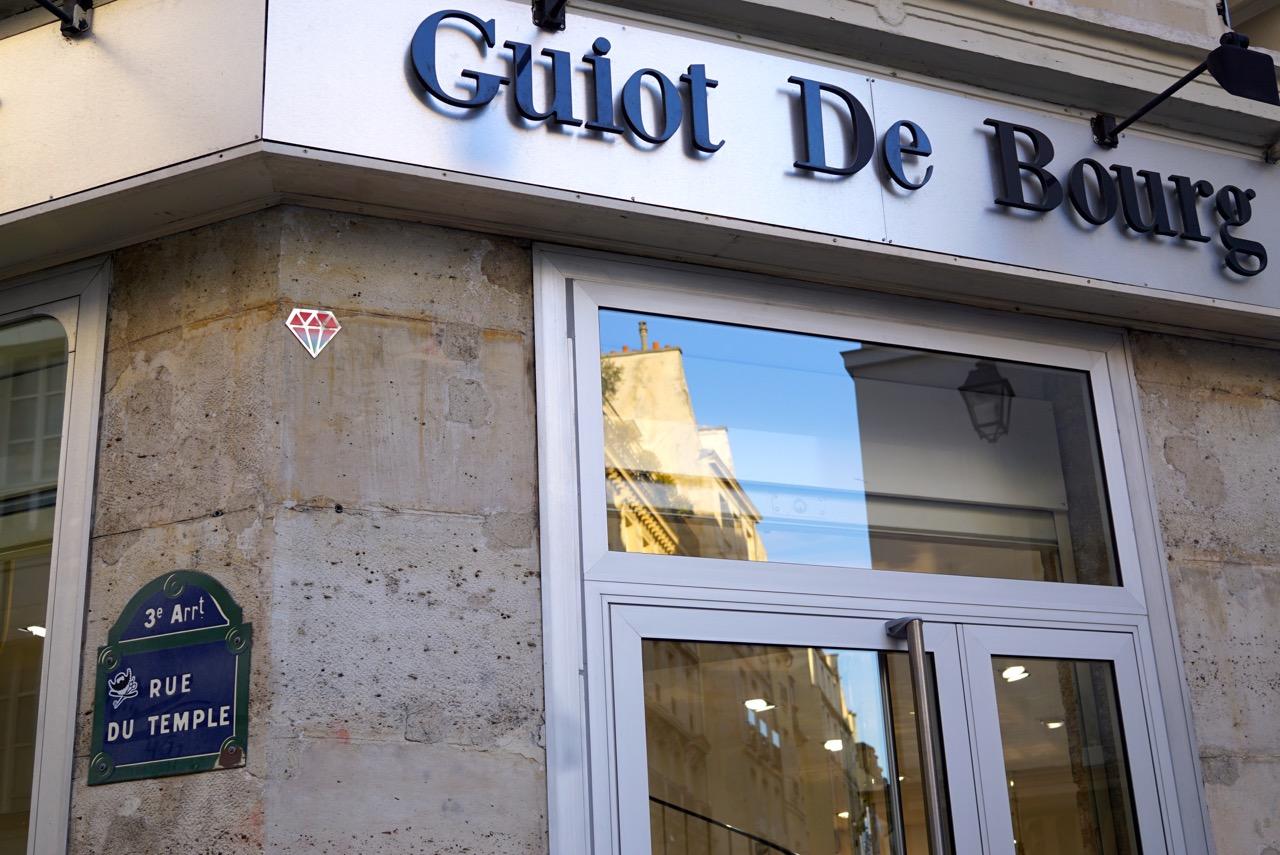 Guiot de Bourg: 119 Rue du Temple