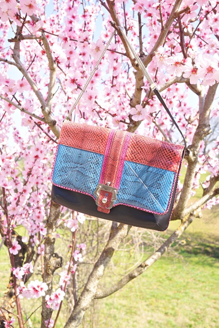 Esta minha bolsa é exclusiva.  Paula fez uma só para mim de presente quando fiz 50 anos!!!