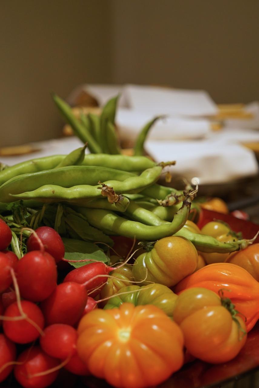 Ênfase nos ingredientes frescos Toscanos é o tema e filosofia por trás dos pratos do chef para Irene.