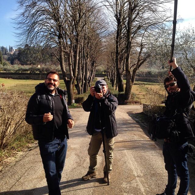 Alberto e a equipe filmando na vila qual pedacinho eu moro!