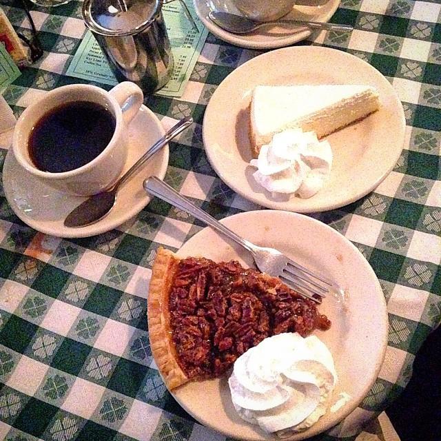 E de sobremesa Pecan Pie e cheesecake!!!