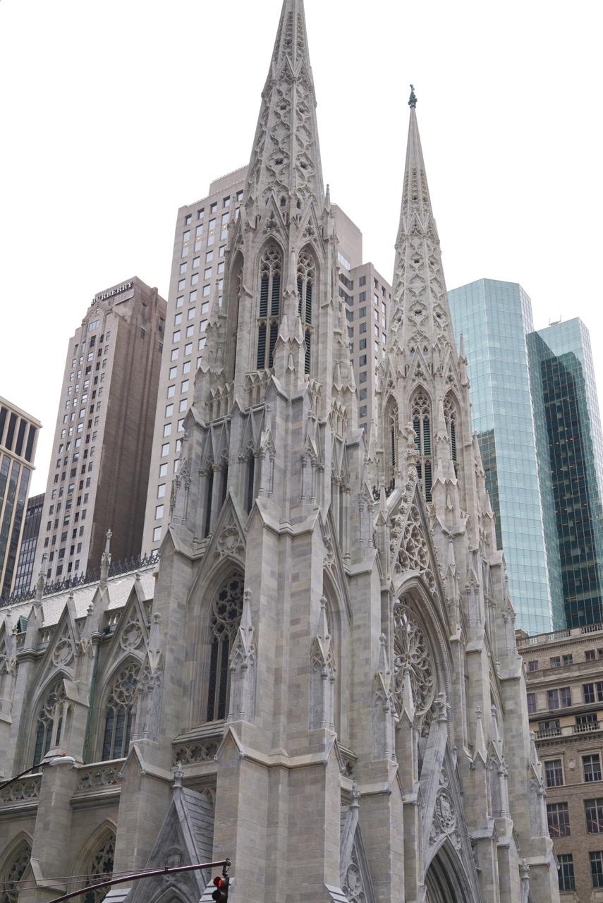 St. Patrick's Cathedral já com o seu lifting! Limparam toda a fachada