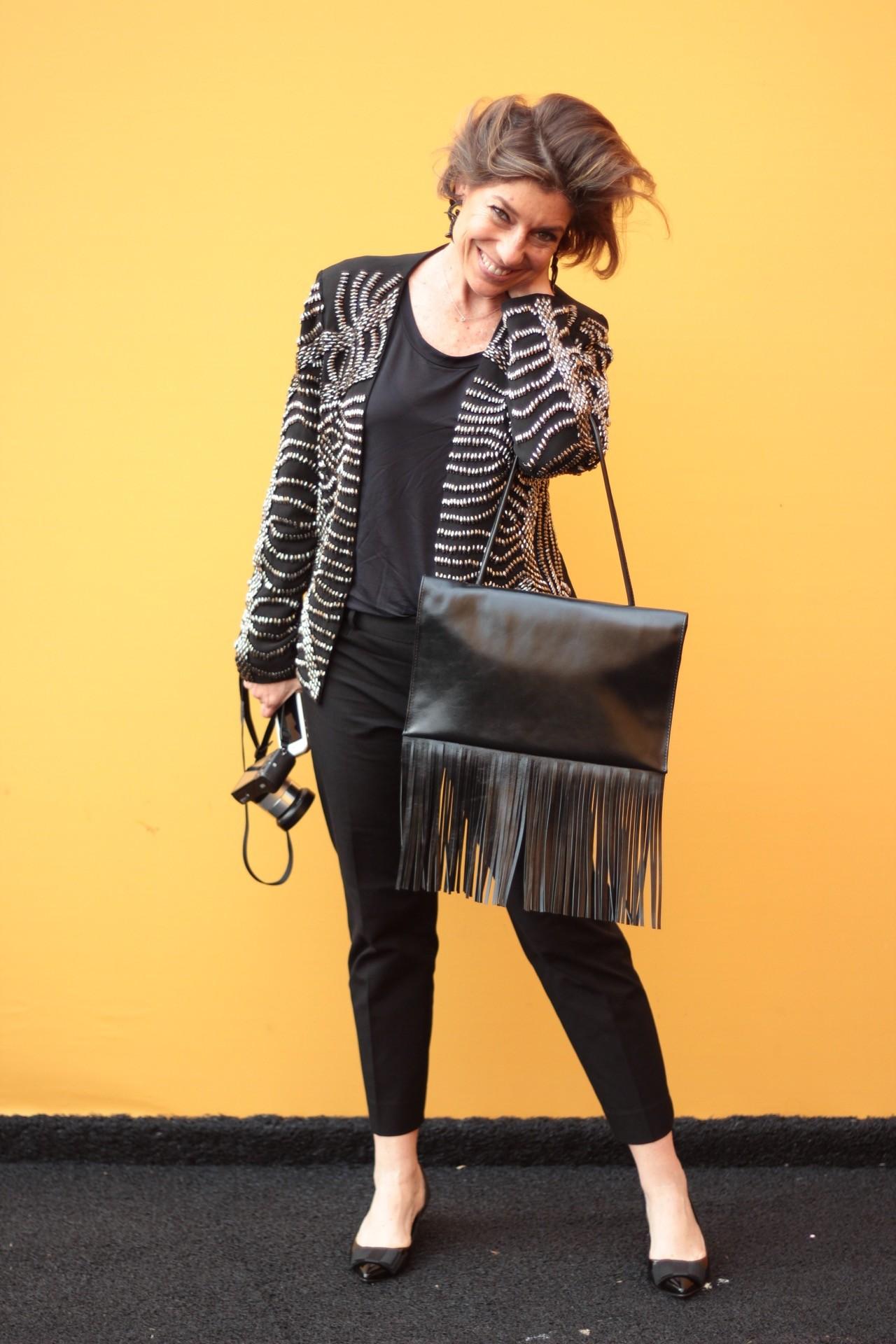 Esse look, mais romantic rock 'n' roll, tem jaqueta Carmen Steffens, sapatos Corello e carteira Torus!! Foto @2mixxphoto