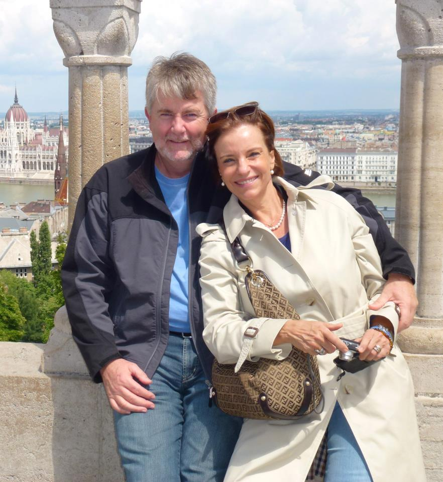 Dedico esse Post ao belo e apaixonado casal Carlos e Vera Irene Bekin, ao qual tive o prazer de ter como primeiros alunos, pois interessados em aprofundar seus conhecimentos sobre o Renascimento. A obra analisada acima, é a preferida deles, que já voaram para contemplá-la novamente na Uffizi, em Florença.