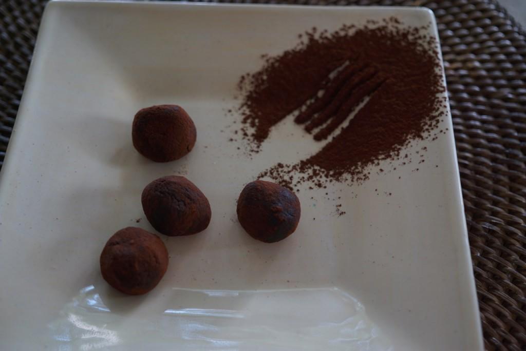 Essas bolinhas são de chocolate 70% e amêndoas, portanto sadio!! ;-)