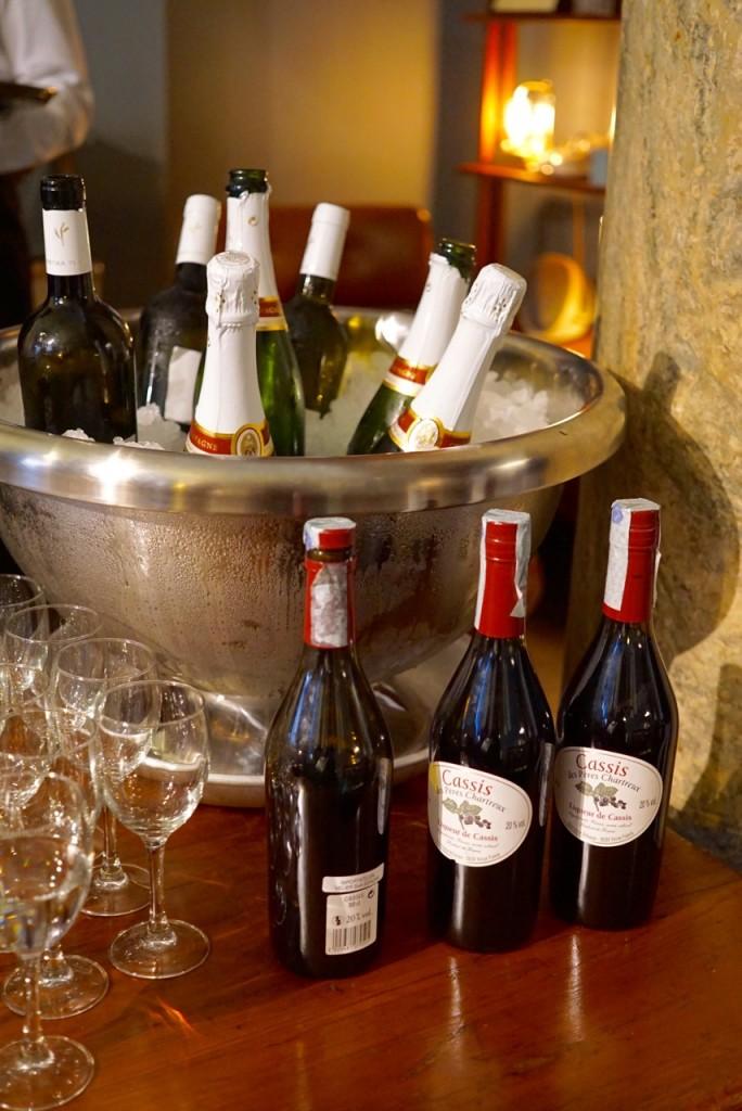 Kir e Kir Royale, o drink favorito dos Dédé foi servido.  Achei tão elegante!