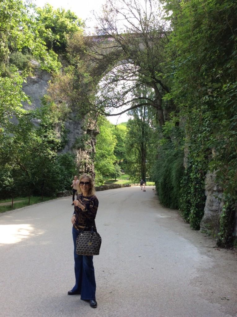 Parc des Buttes-Chaumont, um parque desconhecido pela maioria dos turistas mas lindíssimo.