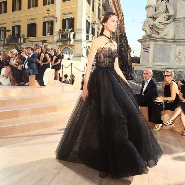Mirabilia Romae – Valentino Couture