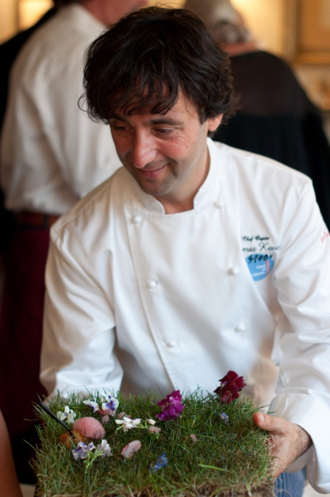 O simpaticíssimo chef trouxe um pedaço de sua terra para servir o antipasto!  Não é lindo?!