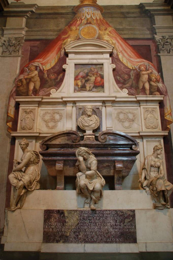 Túmulo por Vasari.