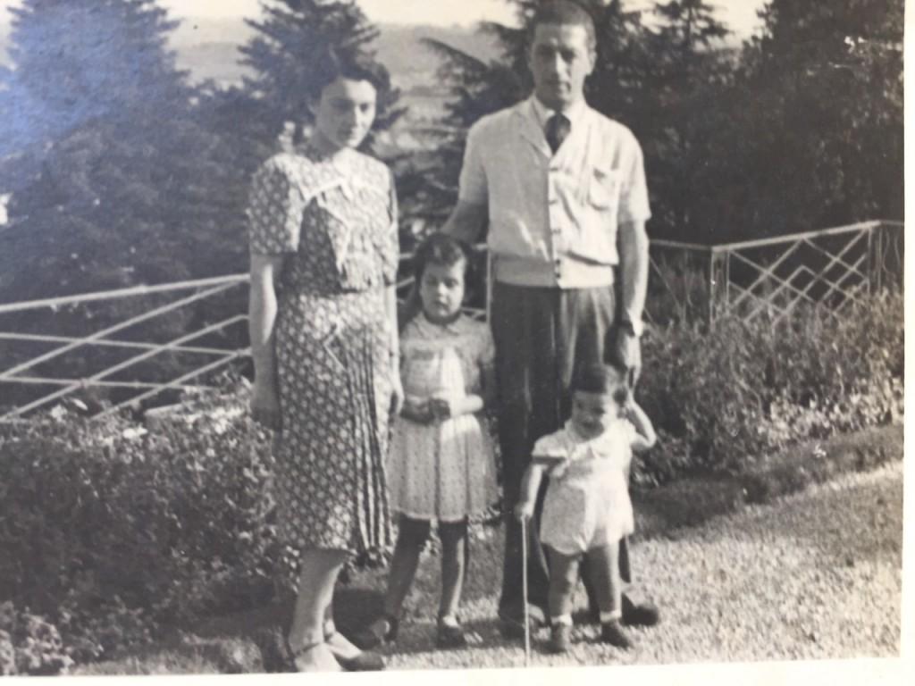 Meus avós no verão nas montanhas para fugir do calor com Costanza e Alessandro.